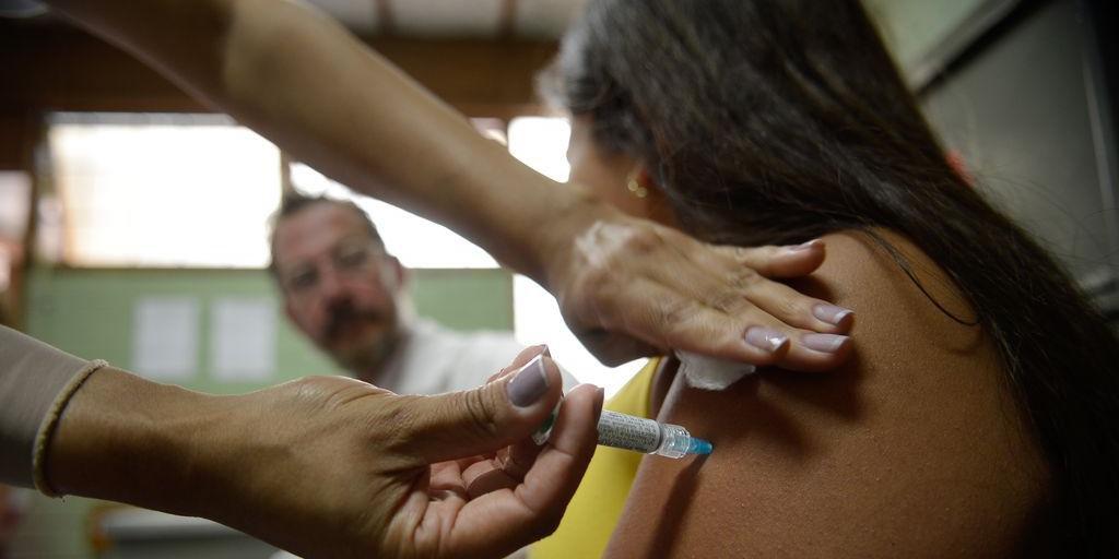 Vacinas poderiam prevenir 92% dos casos de câncer provocados pelo HPV
